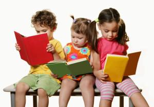 Bambini studiano fare centro
